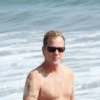 "Kiefer Sutherland and Jayjay vom Lundborg-Land (""Otto"") enjoying the beach !!"