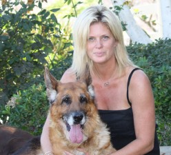 Rachael Hunter with her Lundborg-Land dogs